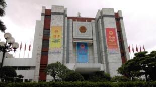 Trụ sở chính quyền thành phố Hà Nội.