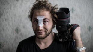 El fotógrafo sirio Ameer al Halbi, el 29 de noviembre de 2020 en Paris