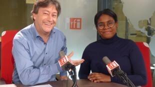 La directora de orquesta venezolana Glass Marcano con Jordi Batalle después de la grabación de El invitado de RFI.