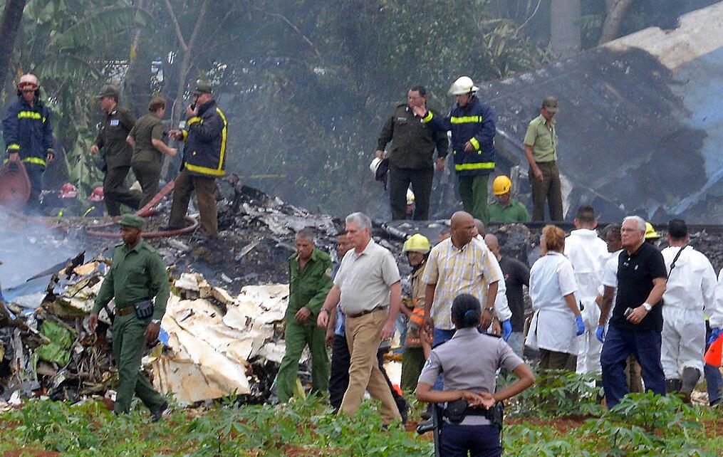El presidente cubano se desplazó hasta el lugar del siniestro del avión, el 18 de mayo de 2018.