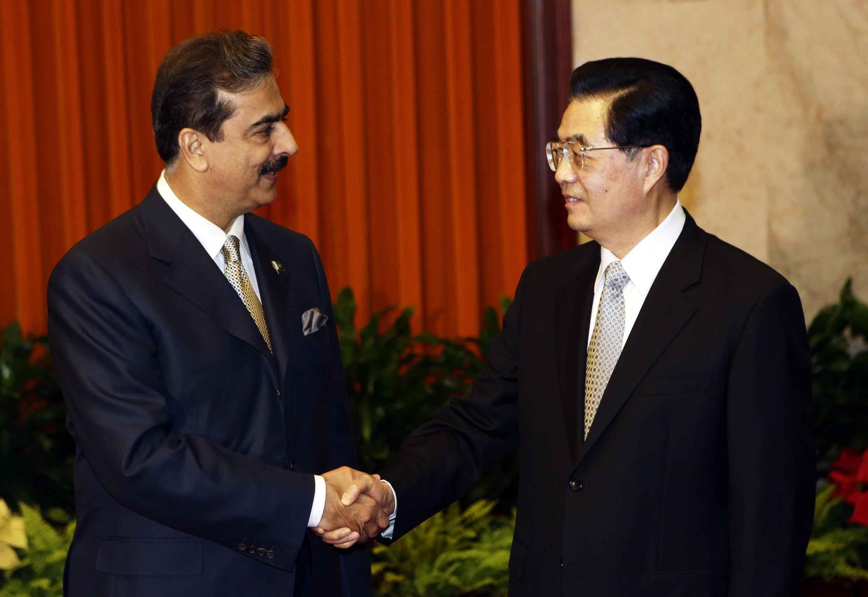 Yusuf Raza Gilani (g) et le Pakistan comptent sur le soutien de la Chine et de Hu Jintao (d).