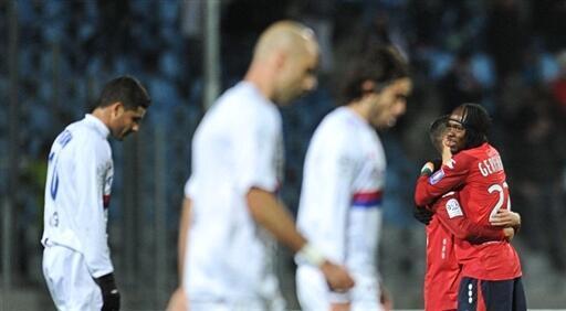 Les Lyonnais, têtes basses, battus à Lille.