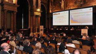 Pesquisadores reunidos durante conferência do Conselho Europeu de Pesquisa, em junho de 2011.