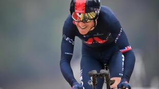 (ARCHIVO) En esta foto de archivo del 2 de mayo de 2021, el británico Geraint Thomas compite en la carrera ciclista Tour de Romandía UCI World Tour 2021  en Friburgo
