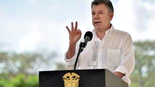 Le président colombien Juan Manuel Santos cherche à obtenir la «paix complète» en Colombie, pays déchiré par un demi-siècle de conflit armé opposant guérillas, paramilitaires et agents de l'Etat.