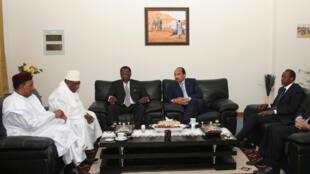 Les présidents du Niger, Mahamadou Issoufou (g), du Mali, Ibrahim Boubacar Keita, du Tchad, Idriss Déby Itno, de la Mauritanie, Mohamed Ould Abdel Aziz, et l'ex-président du Burkina Faso, Blaise Compaoré, en février 2014 lors de la création du G5 Sahel.