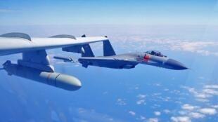 中國大陸空軍進行繞島巡航資料圖片