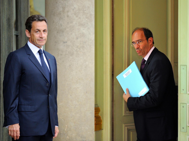 Le président Nicolas Sarkozy (g) et le ministre du Travail Eric Woerth.