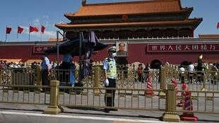 tiananmen-pekin-police