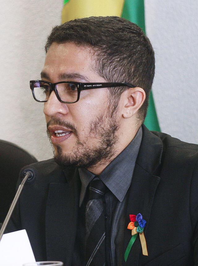 El parlamentario Jean Willys presentó un proyecto de ley de legalización del aborto.