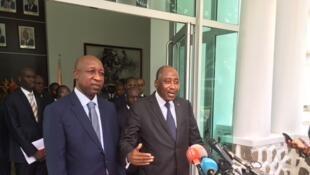 le Premier ministre burkinabè, Paul Kaba Thieba (G), a été reçu par son homologue ivoirien, Amadou Gon Coulibaly, le 9 novembre 2017, à Abidjan.