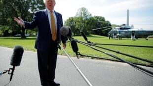 دونالد ترامپ قبل از عزیمت به کمپ دیوید با خبرنگاران گفتگو کرد