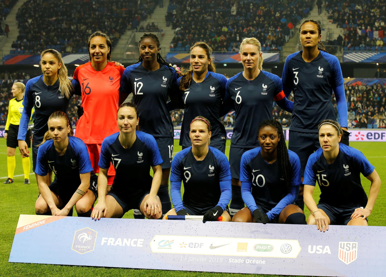 Les onze titulaires de l'équipe de France féminine de football qui ont battu les Américaines en amical le 19 janvier.