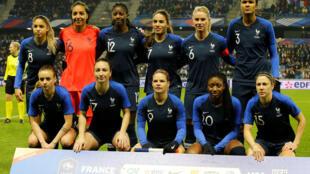 Les onze titulaires de l'équipe de France féminine de football, lors du match amical contre les Américaines, le 19 janvier 2019.