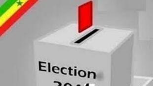 Urna de votos quando os senegaleses votam este domingo 20 de março num referendo para revisão da constituição
