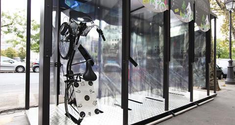 Estacionamentos fechados para bicicletas serão instalados em Paris, para aumentar a segurança.