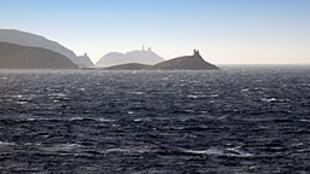 科西嘉岛的三个塔