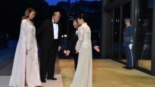 Le président américain Donald Trump et son épouse Melania reçus par l'empereur Naruhito et l'imperatrice Masako, à Tokyo, le 27 mai 2019. Donald Trump a eu l'honneur d'être le premier dirigeant étranger à rencontrer le nouvel empereur.