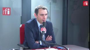 Laurent Jacobelli, porte-parole du Rassemblement national dans les studios de RFI, le 20 février 2020.