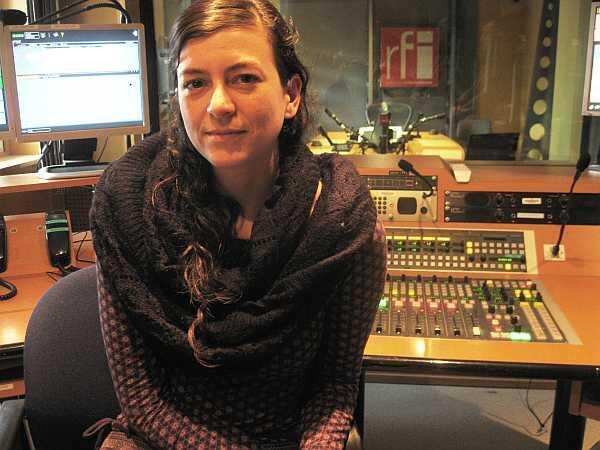 Samanta Schweblin, en los estudios de RFI.