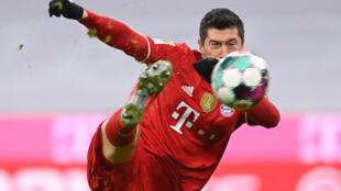 Robert Lewandowski claimed his 25th Bundesliga goal this season for Bayern Munich on Monday