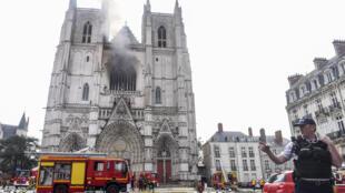 2020-07-17 france nantes fire cathedral Saint-Pierre-et-Saint-Paul