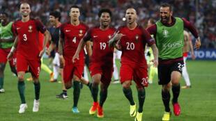 Festejos da Selecção Portuguesa após o apuramento para as meias-finais do Campeonato da Europa.