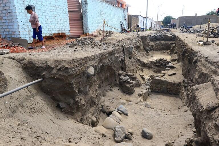 Escavações no pequeno porto de Huanchaco, na costa do Pacífico em março de 2018.