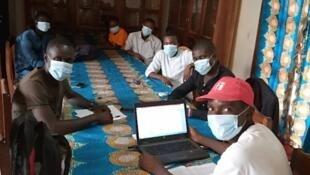 Le Club RFI Bangui-Fononon en réunion.