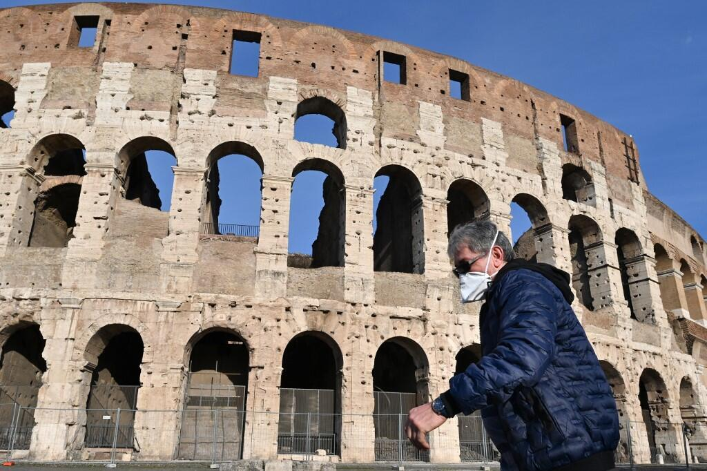 Колизей в Риме 10 марта 2020.