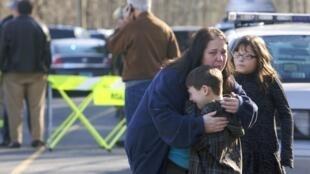 Massacre de Newtown, no Estado do Connecticut, deixou 26 mortos, entre eles, 20 crianças da escola de Sandy Hook, no dia 14 de dezembro do ano passado.