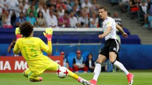 L'Allemand Leon Goretzka crucifie le gardien Guillermo Ochoa lors de son 2e but à la 8e minute de jeu.