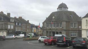 L'Hôtel de ville de Gorron (Mayenne). Seule mairie octogonale de France!