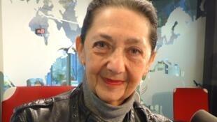 Alicia Dujovne Ortiz en los estudios de RFI