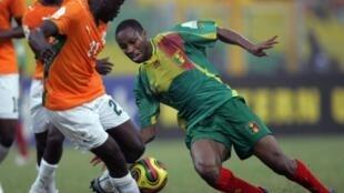 Seydou Keita face à la Côte d'Ivoire lors de la CAN 2008.