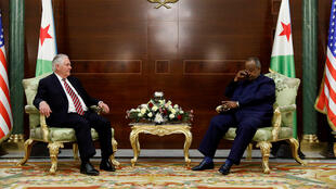 Lors d'une visite rapide à Djibouti, Rex Tillerson a rencontré le président djiboutien Ismaïl Omar Guelleh