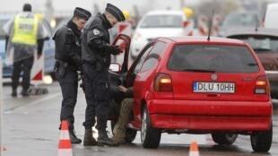 Os controles nas fornteiras dos países do espaço Schengen são cada vez mais frequentes.