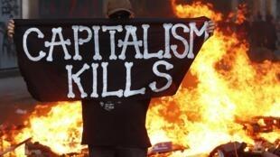 Esquerda radical alemã anti-globalização perturba cimeira do G20 que termina este sábado em Hamburgo, Alemanha