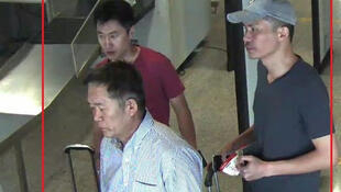 La police nord-coréenne à diffusé une photo, dimanche 19 février 2017, montrant trois des quatre Nord-Coréens suspectés d'être impliqués dans l'assassinat du demi-frère de Kim Jong-un.