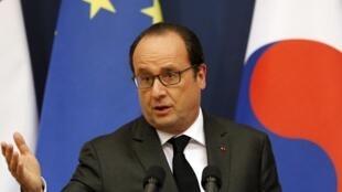 Le président Francois Hollande, pour sa visite officielle en Asie, le 3 novembre 2015 en Corée du Sud.