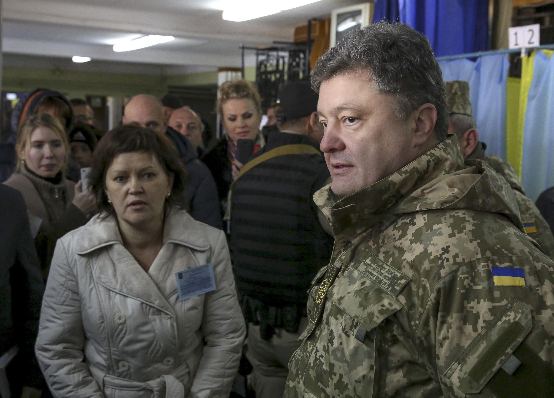 Petro Porochenko en treillis militaire à Kramatorsk, au matin du 26 octobre 2014.
