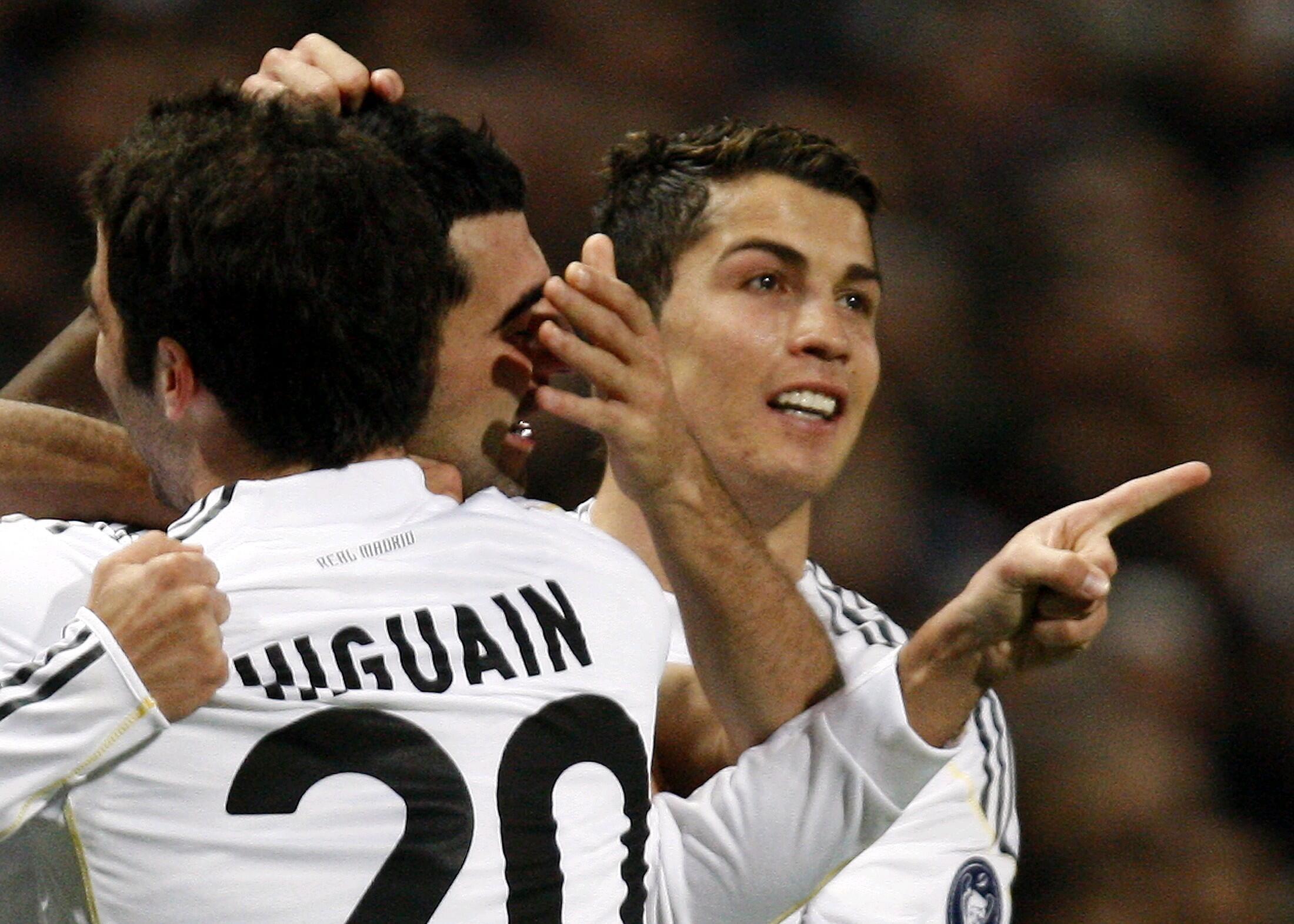 Le Portugais Cristiano Ronaldo et ses coéquipiers du Real Madrid.