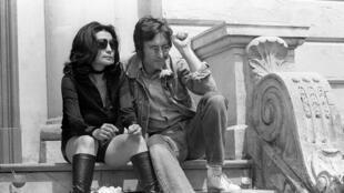 Le chanteur John Lennon et Yoko Ono, en 1971.