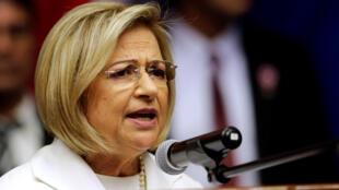 La ex magistrada de la Corte Suprema Alicia Pucheta se convertirá, temporalmente, en la primera presidenta de Paraguay.