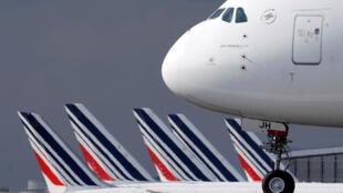Une partie de la flotte d'Air France sur le tarmac de l'aéroport Charles De Gaulle à Roissy. Le 26 juin 2020.
