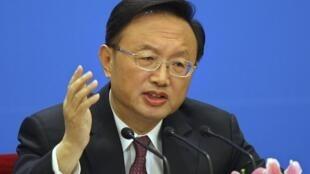 中国外长杨洁篪3月6日在人大新闻会上呼吁美国尊重中国核心利益。