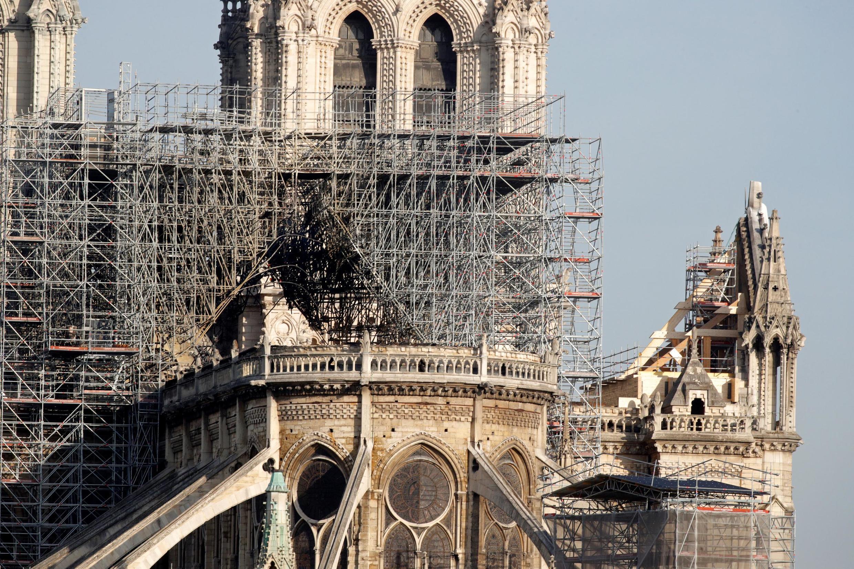 Работы по консервации собора Парижской богоматери идут полным ходом.