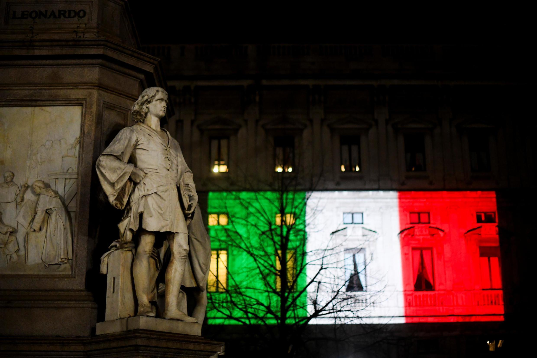 Fachada do Palácio Marino, em Milão, uma das regiões da Itália mais atingidas  pelo Covid-19.