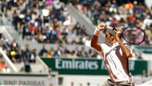 Roger Federer à Roland Garros, contre Rafael Nadal, le 7 juin 2019.