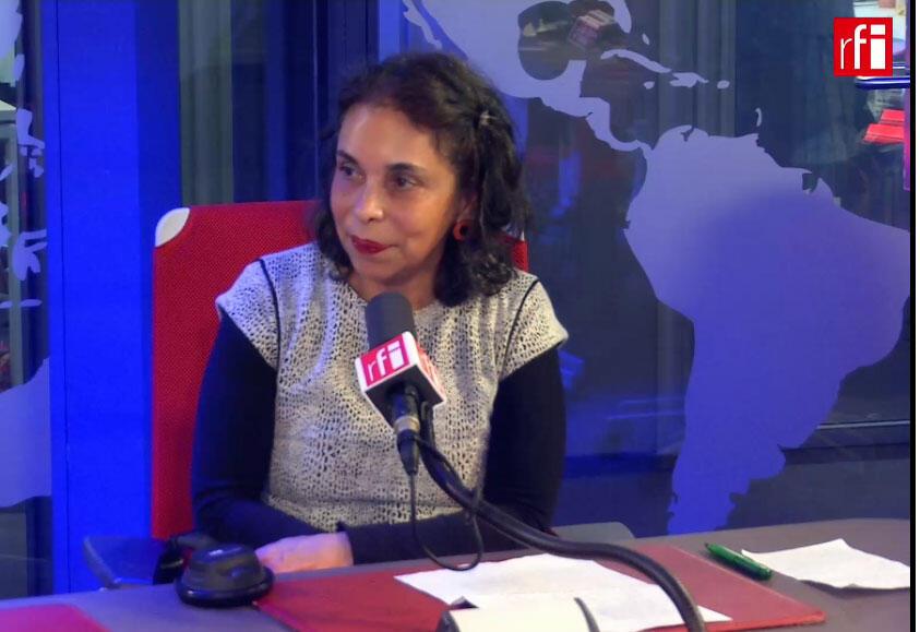 A escritora Marcia Camargos